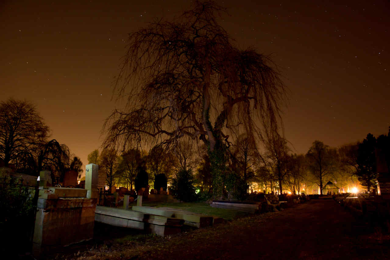 Stolarnia Grodzka - obudowa grobów